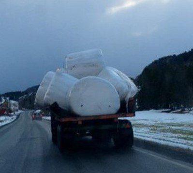 Rundballer darlig sikring trafikk hms